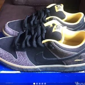 "Nike ""Yellow Curb"" SBs Size 8"